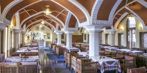 Abbasi Hotel Isfahan – Iran Travel Booking – Booking Isfahan Hotels (1)