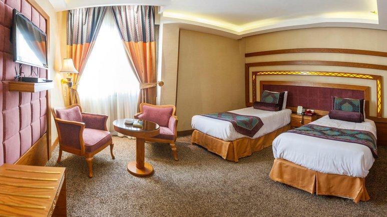 Resultado de imagem para ario barzan hotel shiraz