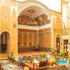 Firoozeh-Traditional-Hotel-Yazd-IranTravelBooking-01.jpg